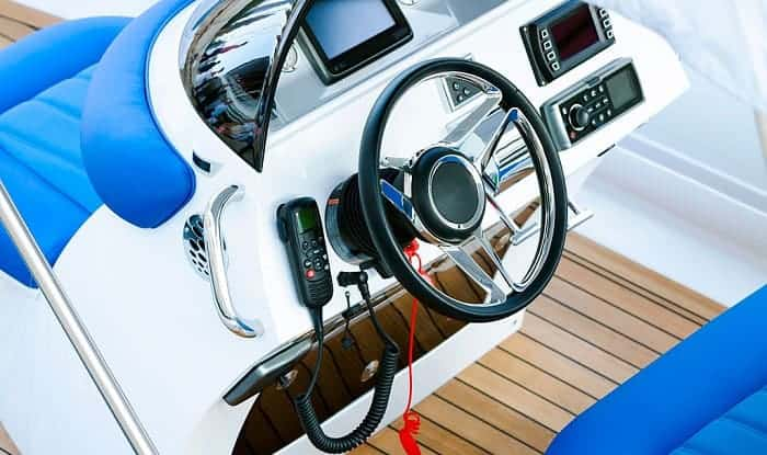 Are-all-boats-right-hand-drive