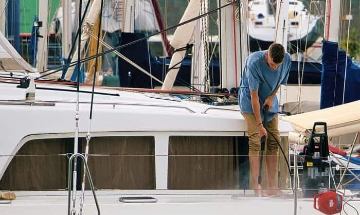 how to clean fiberglass boat deck
