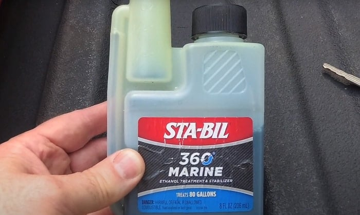 best-fuel-additive-for-outboard-motors