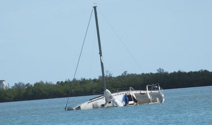 What-should-you-do-first-if-a-vessel-capsizes