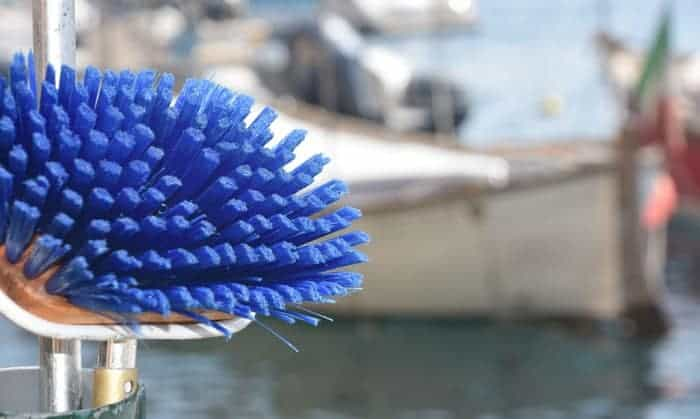 boat-scrub-brush