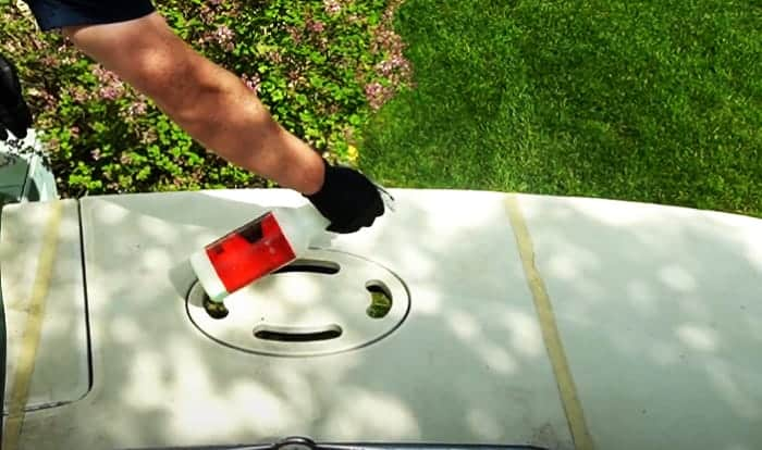 fiberglass-boat-deck-cleaner