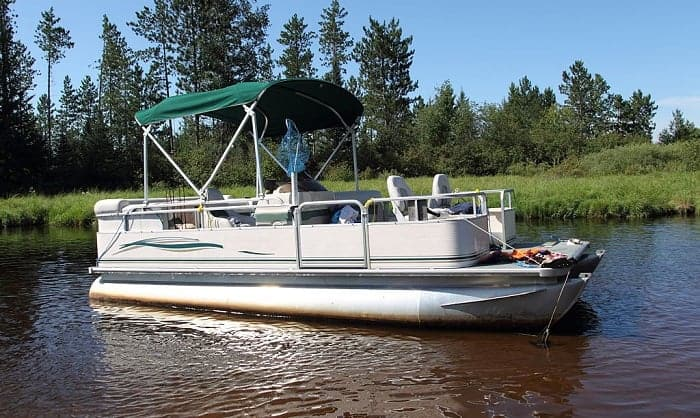 How-to-Anchor-a-Pontoon-Boat