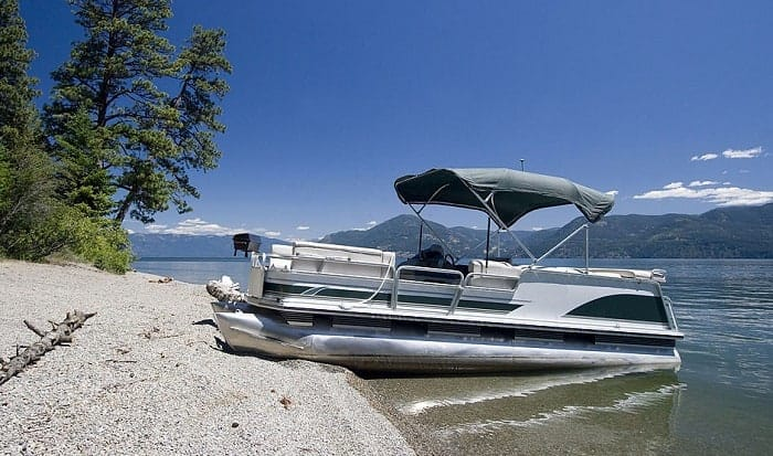 How-wide-is-a-22-pontoon-boat