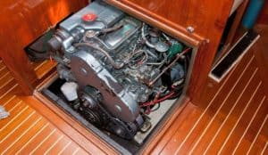how to start an inboard boat engine out of water
