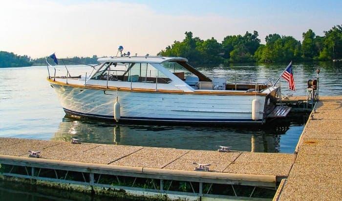 tie-boat-to-dock