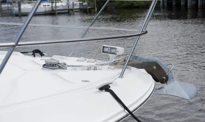 best-spotlight-for-boating