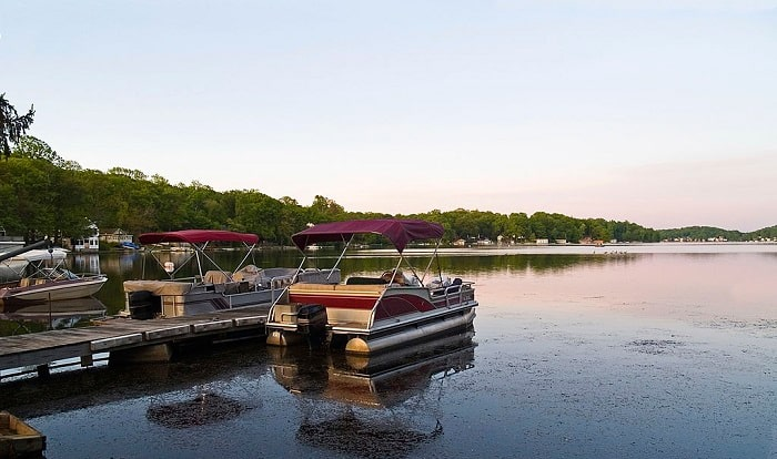 how to dock a pontoon boat