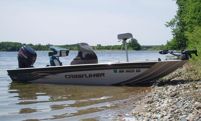 where are crestliner boats made